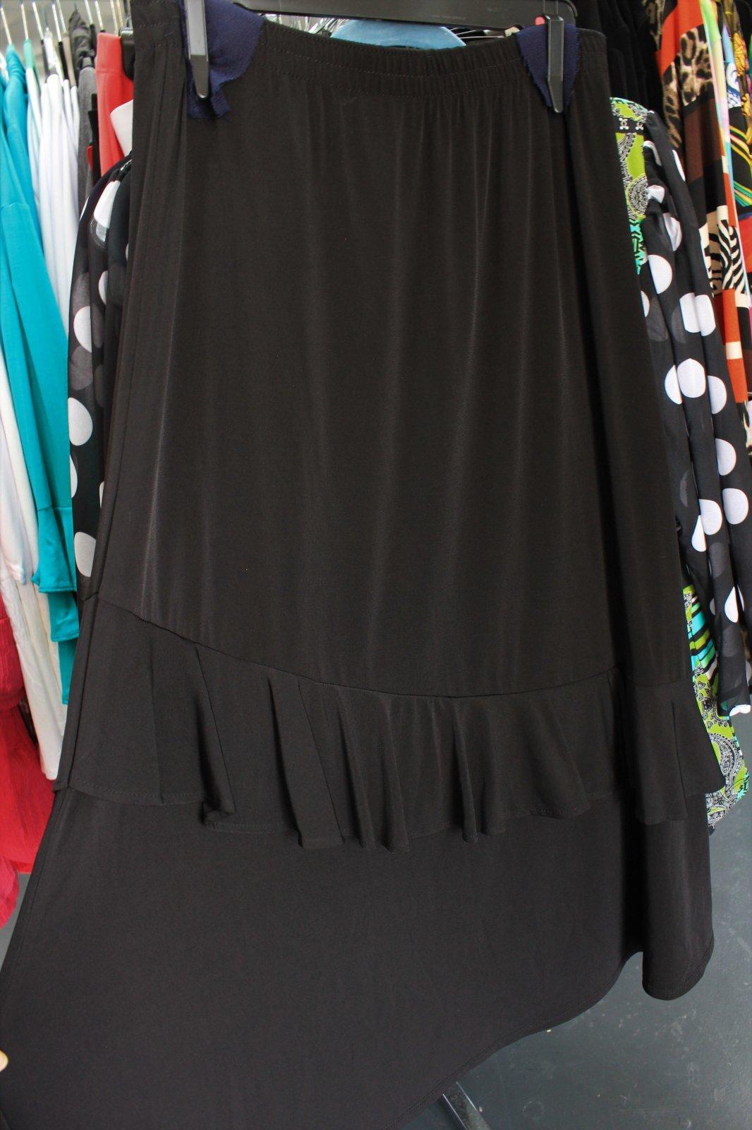 Southern Lady Plus black skirt w/ruffle