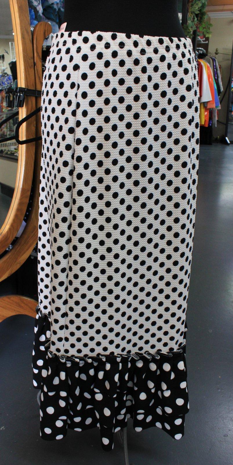 Plus W/B dots ruffle skirt - Shane Lee