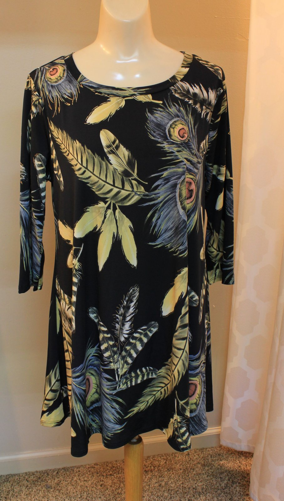 Feather Print Tunic - Pretty Woman