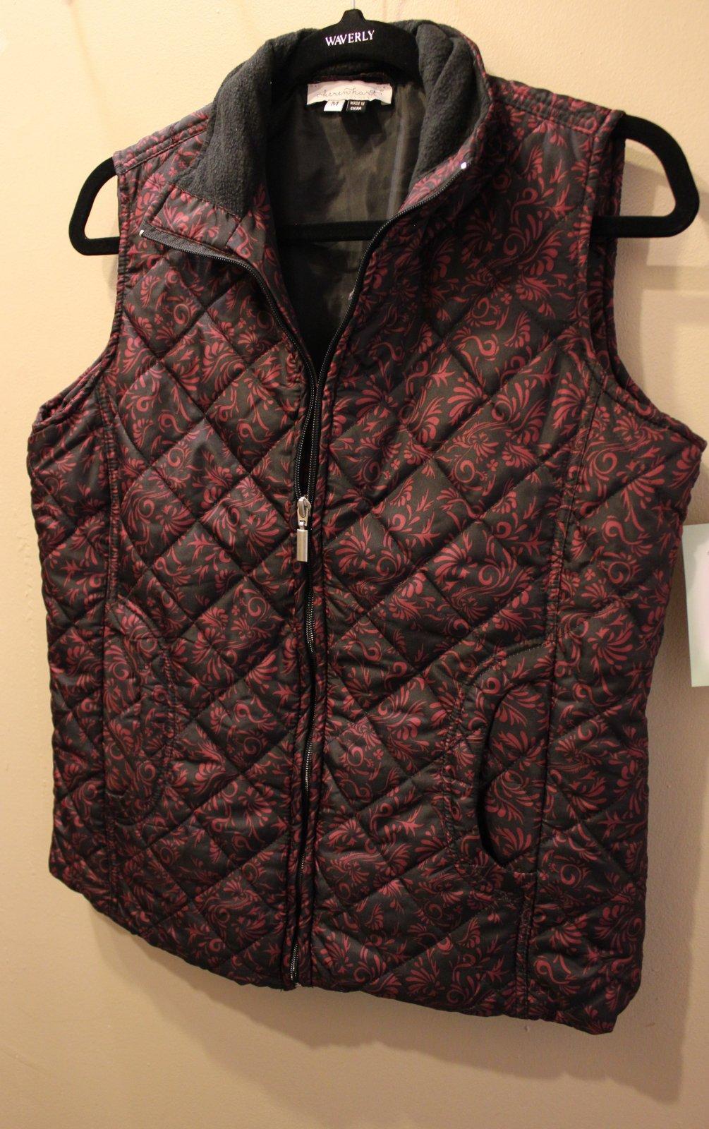 Quilted Vest Black/Fuchsia