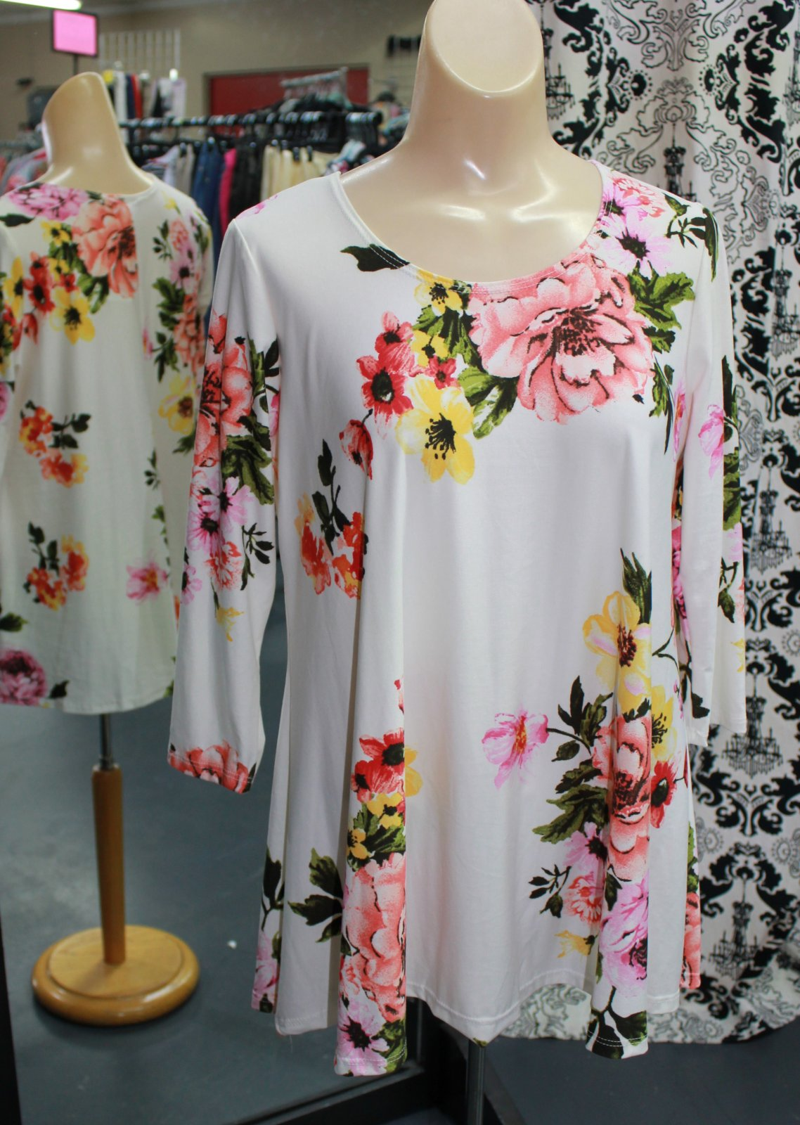 Pretty Woman Ivory Floral Tunic