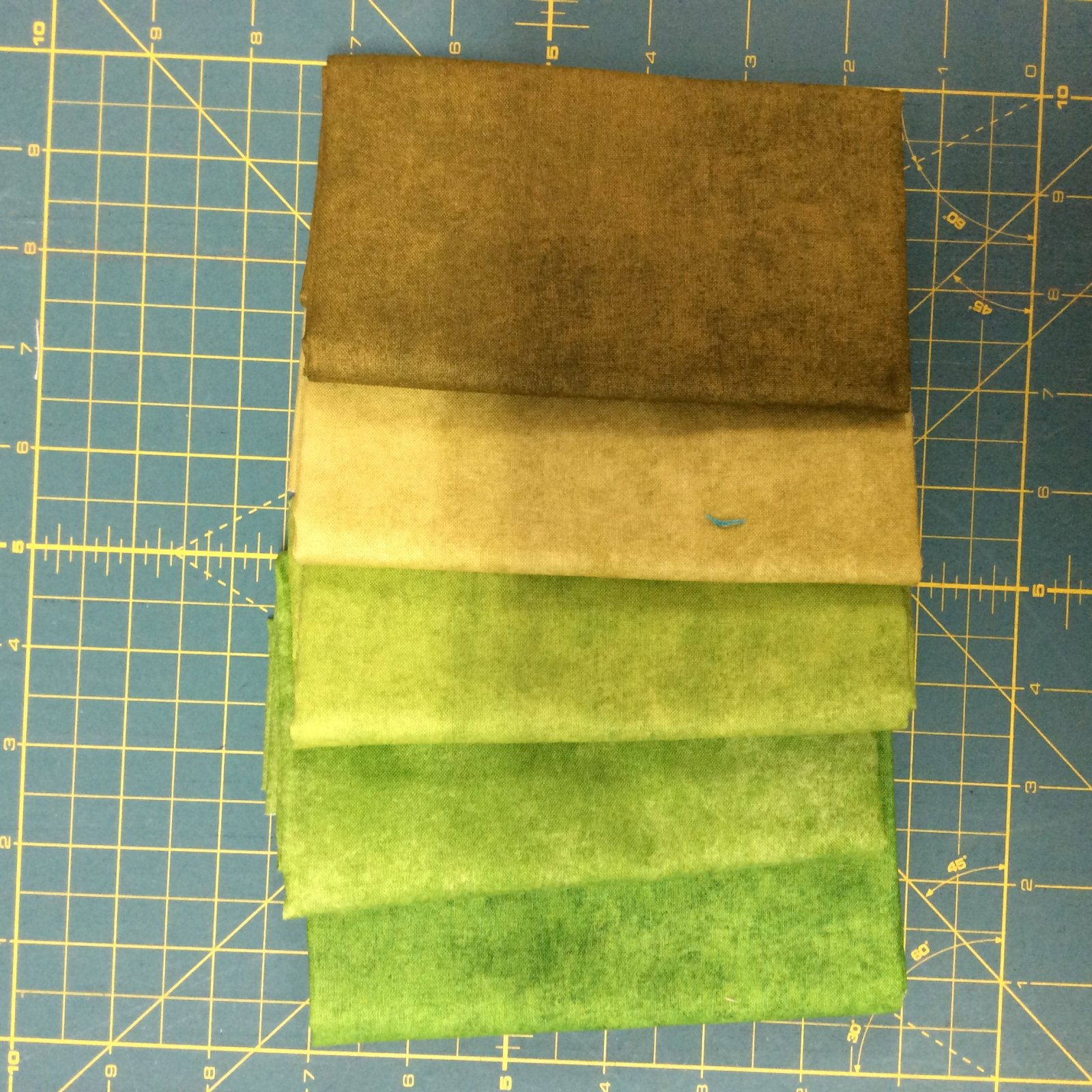 Shadow Play Fat Quarter Bundles Green