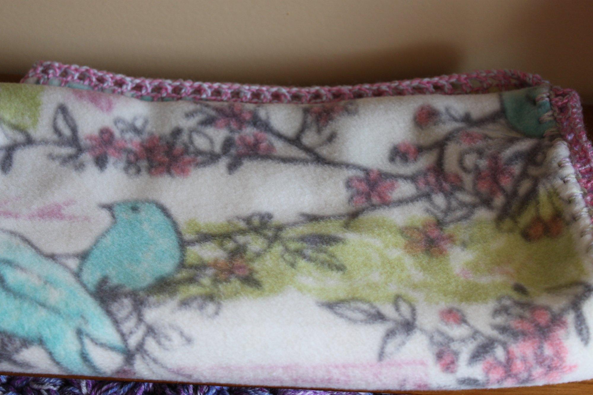 Blue Bird Blanket w/ varigated border 30 x 36