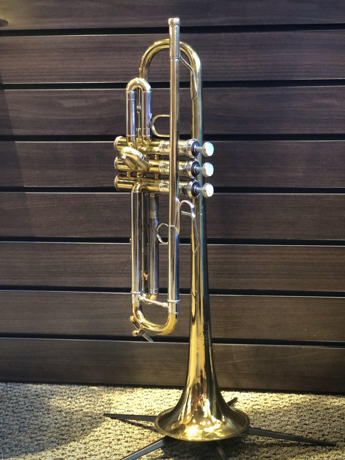 USED Bach Stradivarius Bb Trumpet, Lightweight 37 Bell (not original)