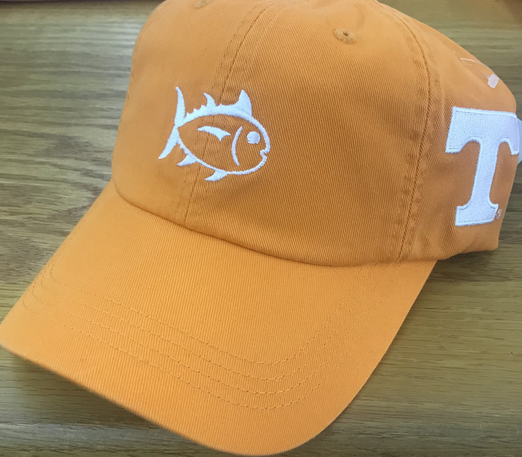 Southern Tide Collegiate Outline Power T Hat