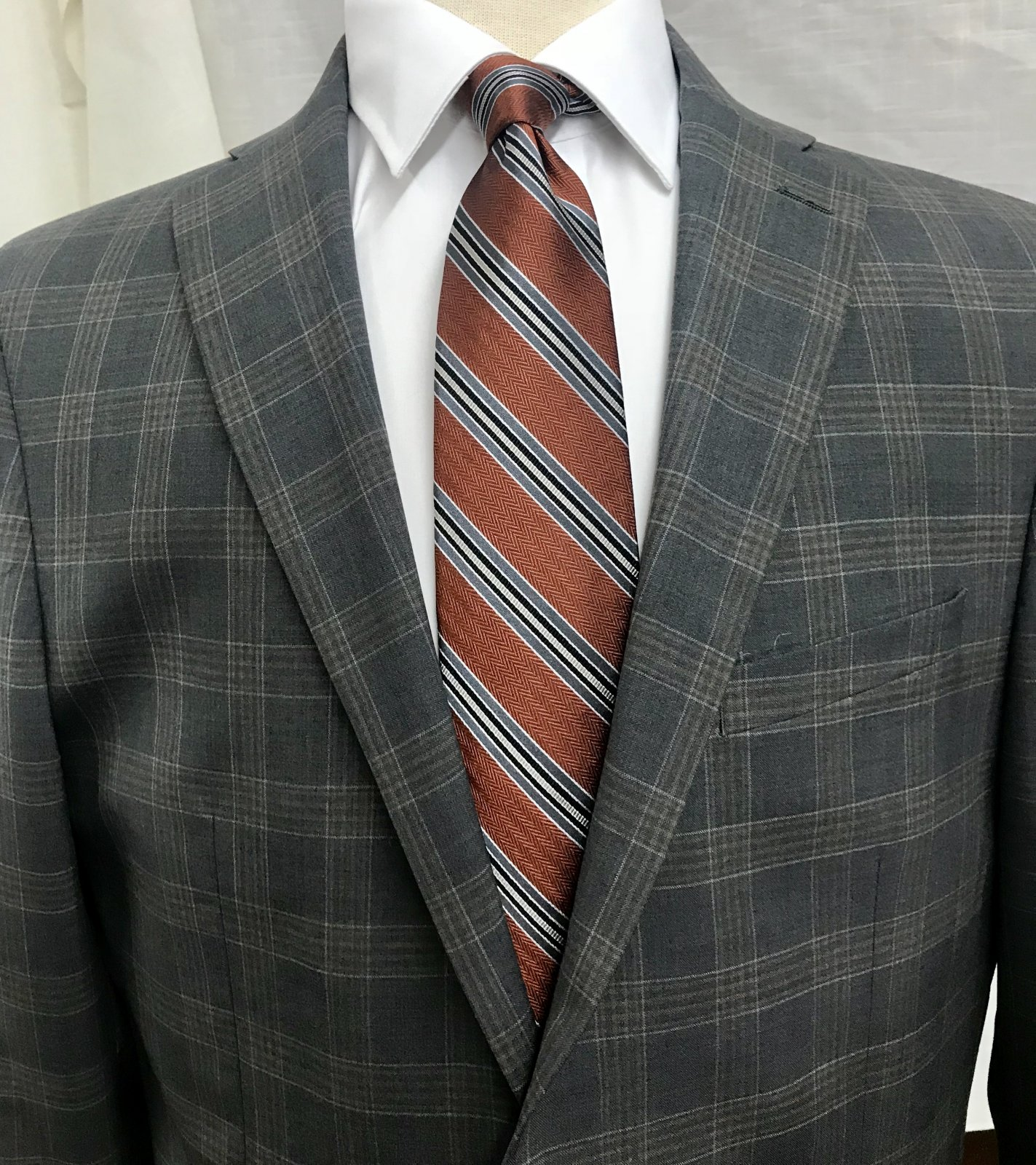 Pronto Moda Grey/Tan Plaid Sportcoat