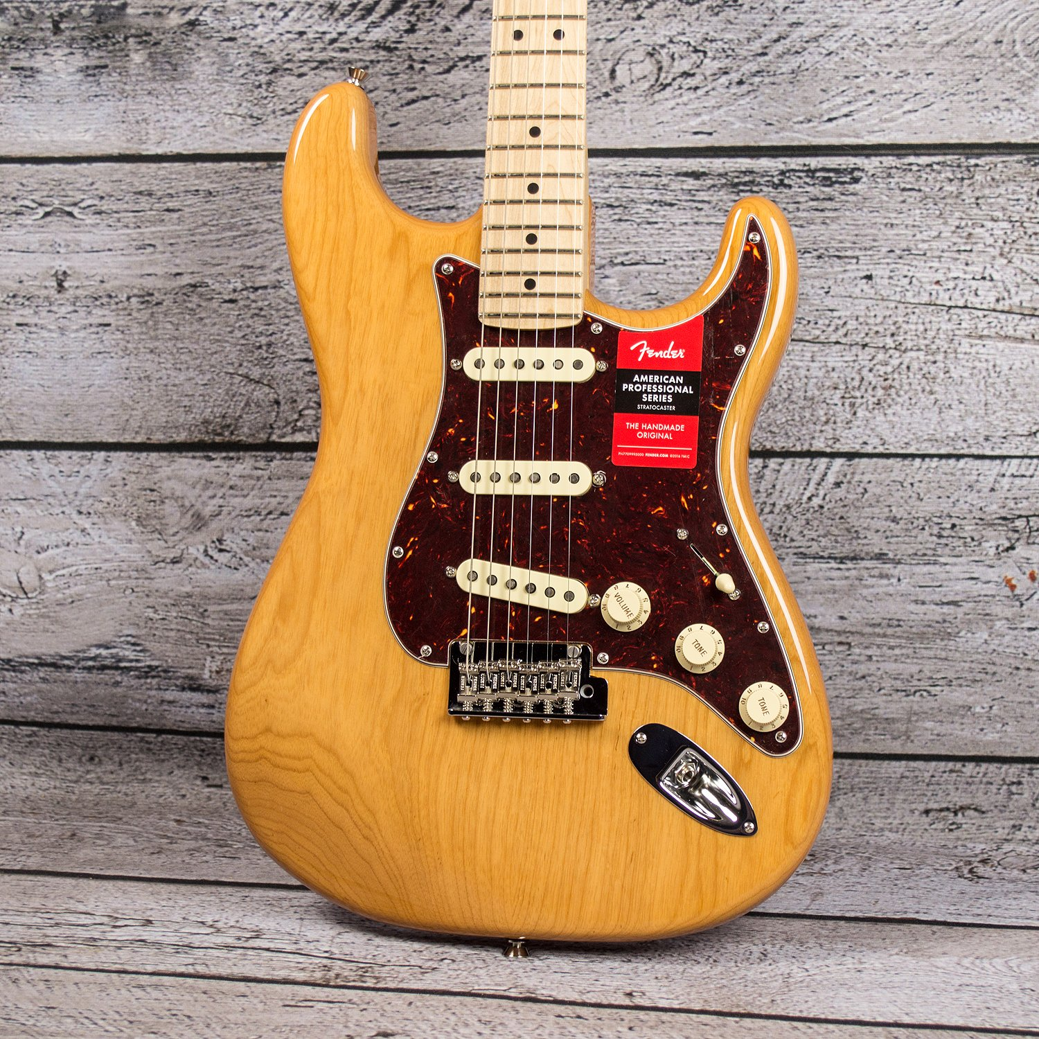Fender 2019 Limited Edition American Professional Stratocaster - Maple Fingerboard, Aged Natural