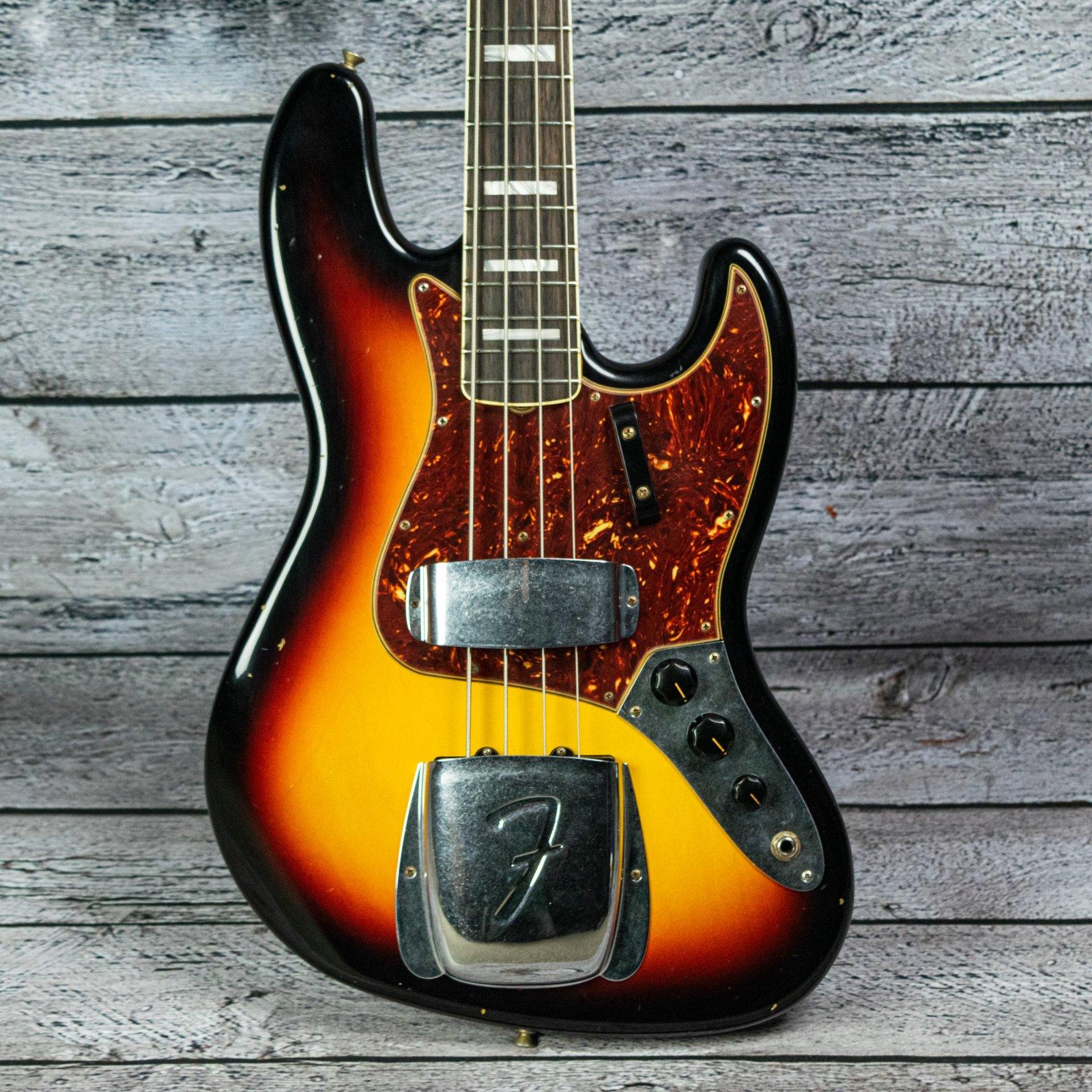 Fender Custom Shop 1966 Jazz Bass Journeyman Relic - Rosewood Fingerboard, 3-Color Sunburst