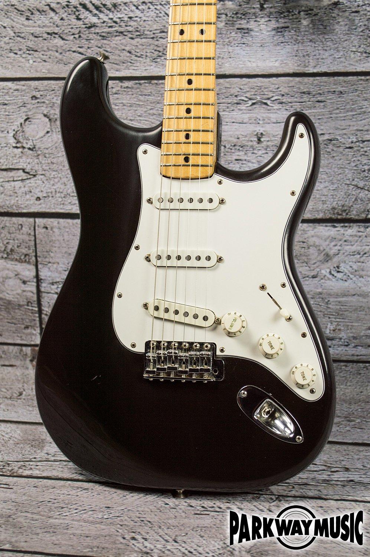 Fender Stratocaster 1981 w/ Maple Fretboard (USED)