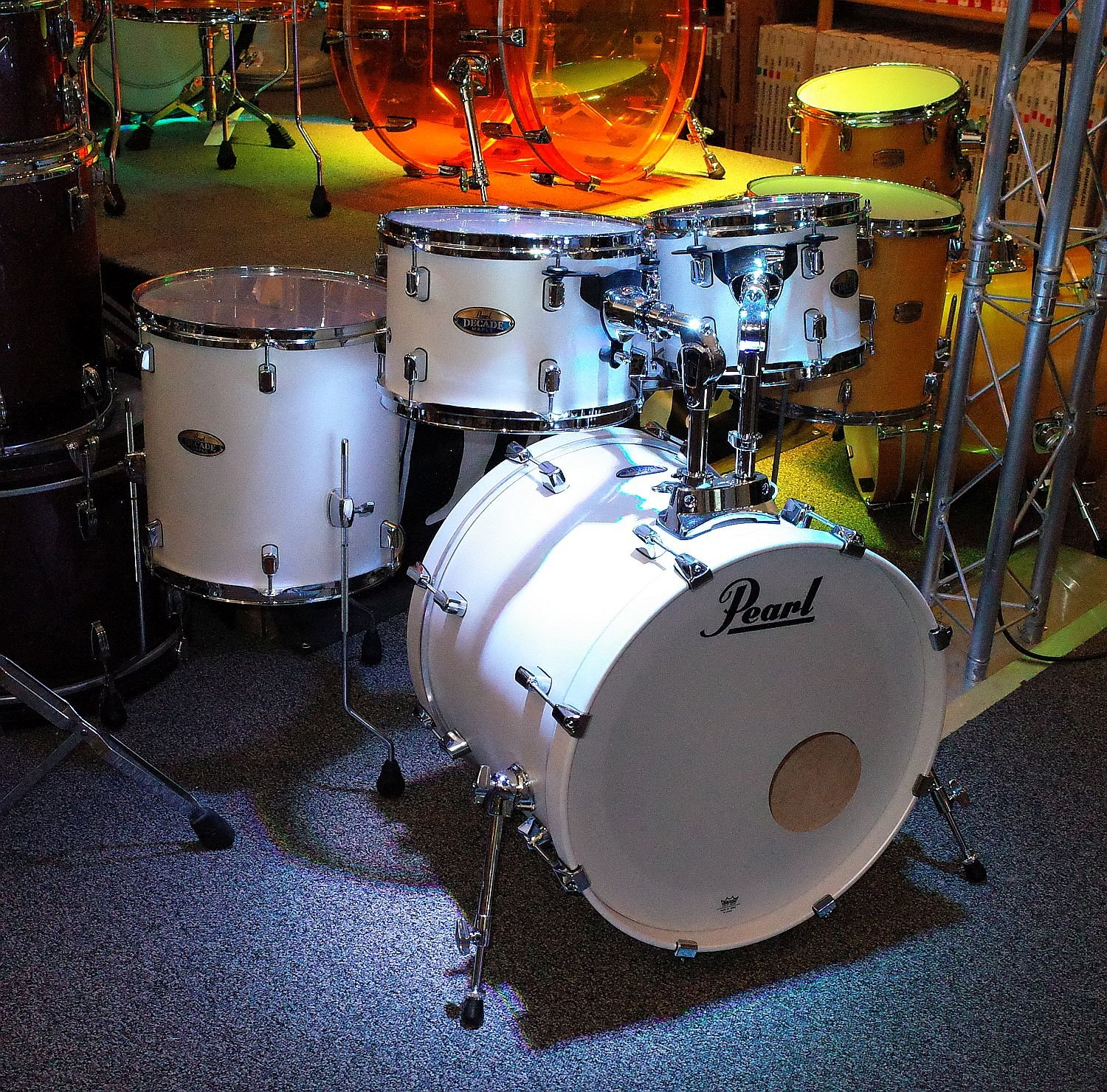 Pearl Decade Maple 5pc - White Satin Pearl