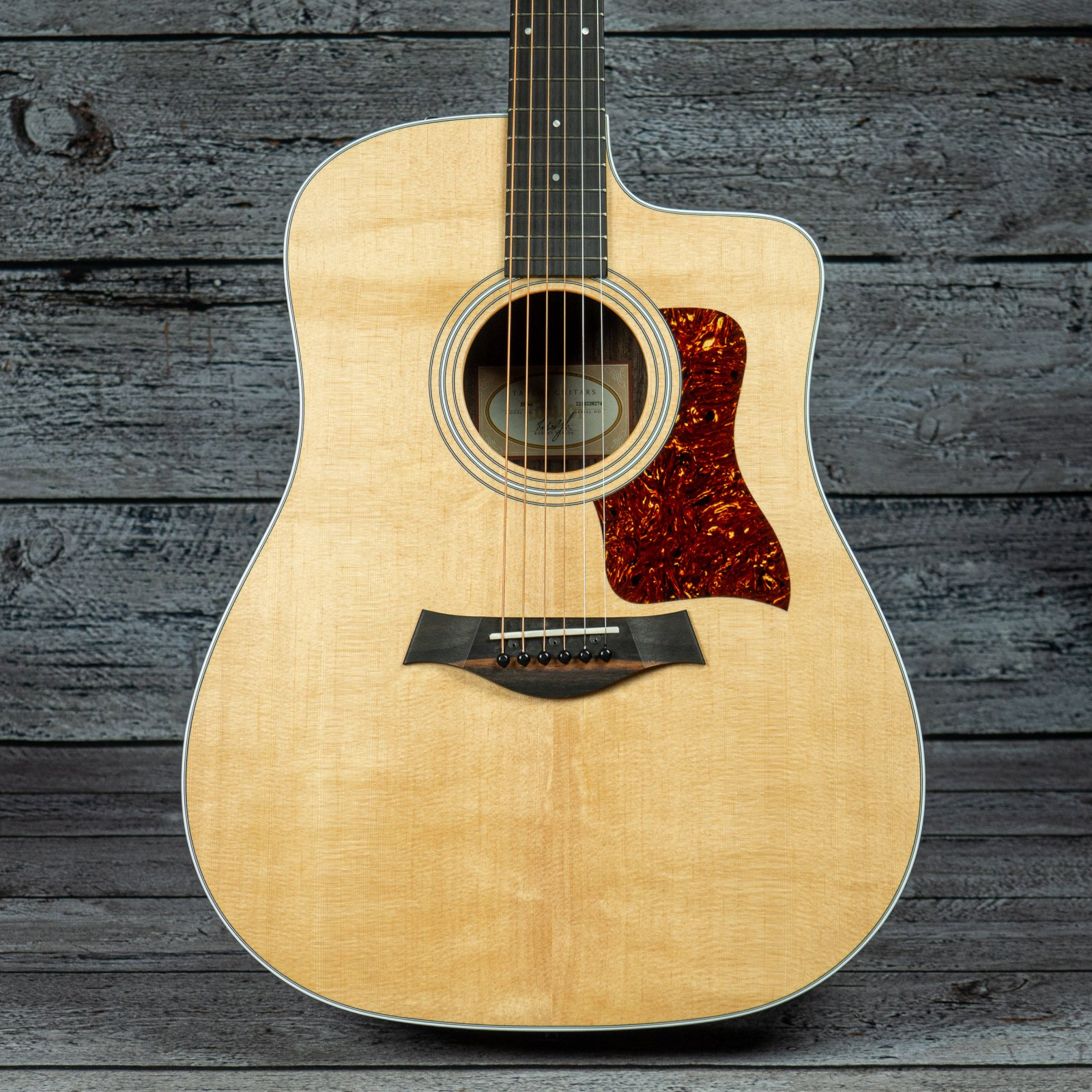 Taylor 210ce (USED)