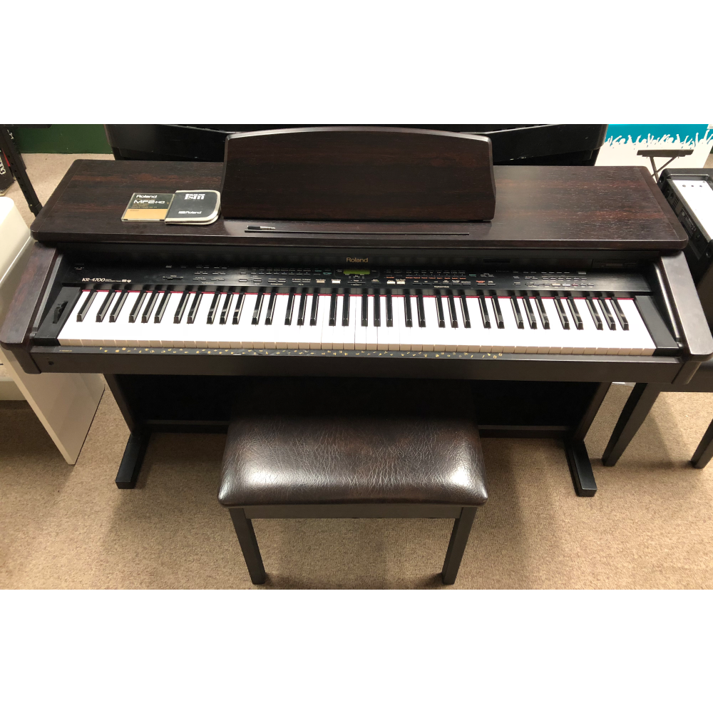 Roland KR-4700 w/Bench (Used/Consignment)