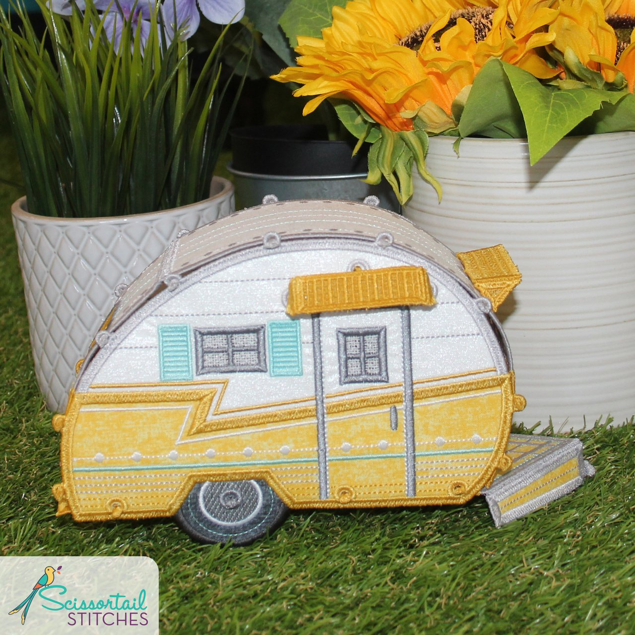 Scissortail Stitches Freestanding Happy Campers