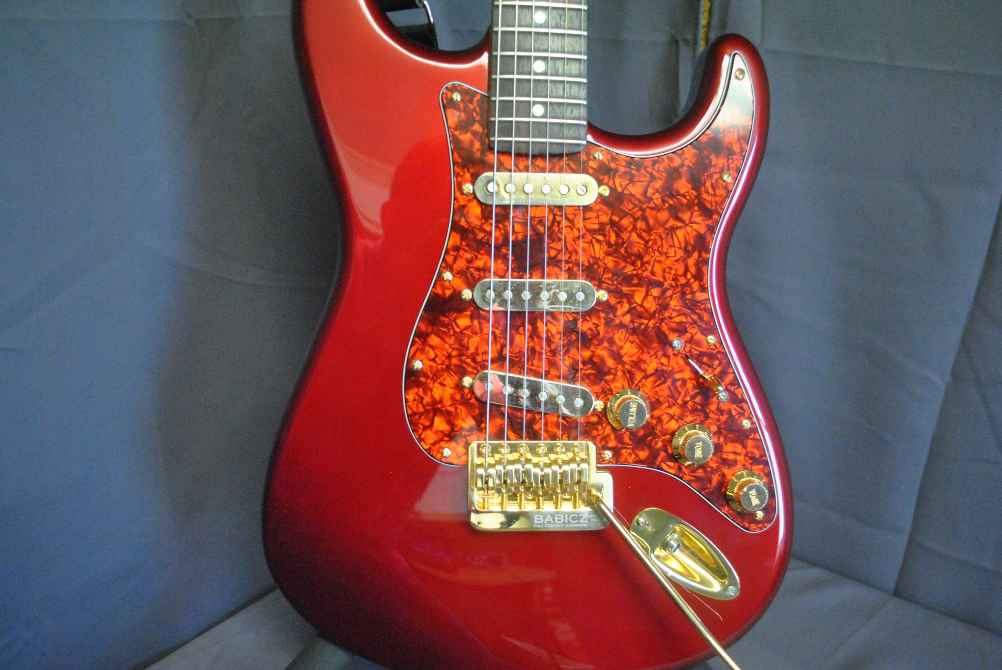 Fender Strat- Red/Gold
