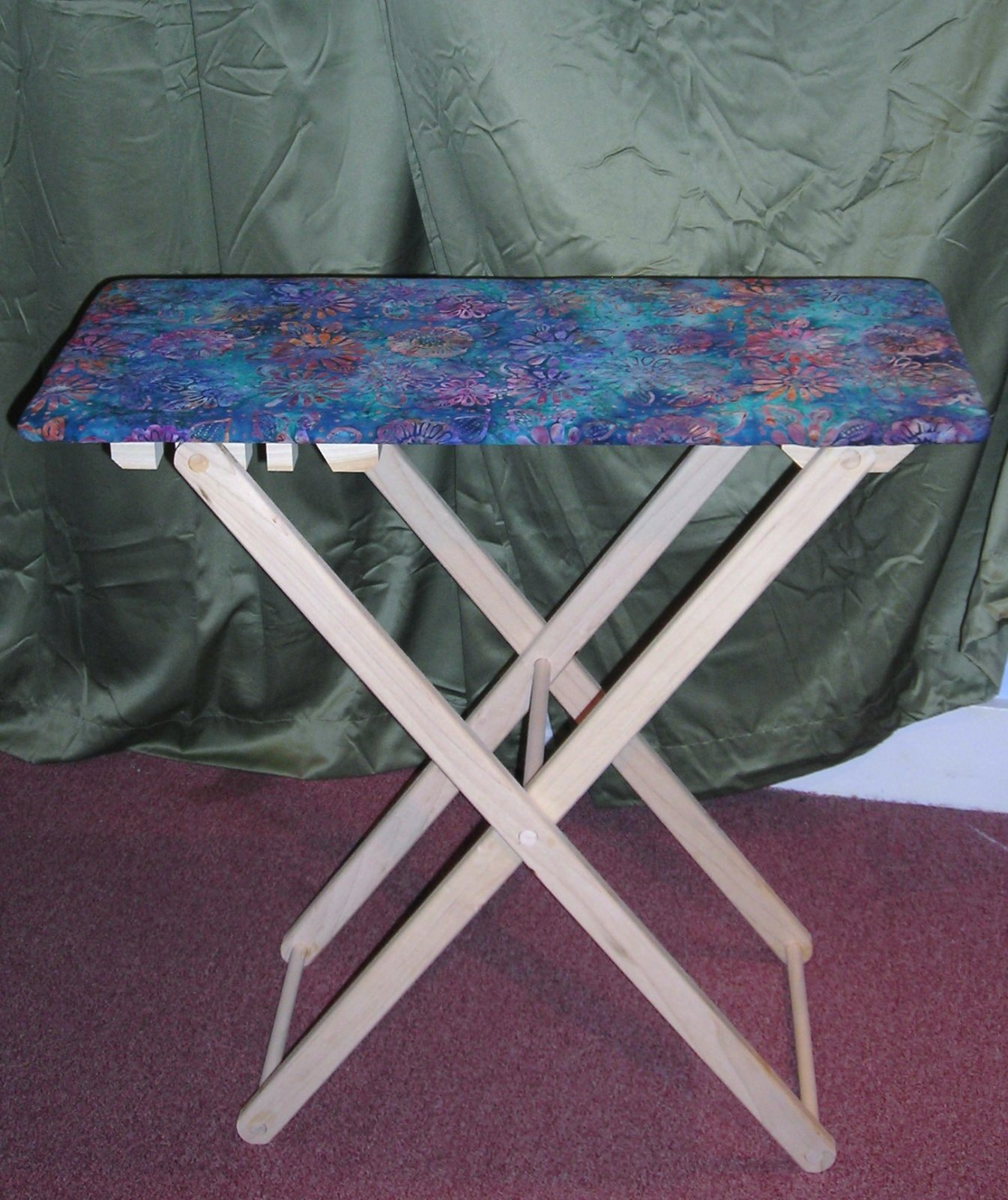 QUILTER'S DREAM FOLDING TABLE TRAVEL SIZE (14 x 29) IRONING BOARD