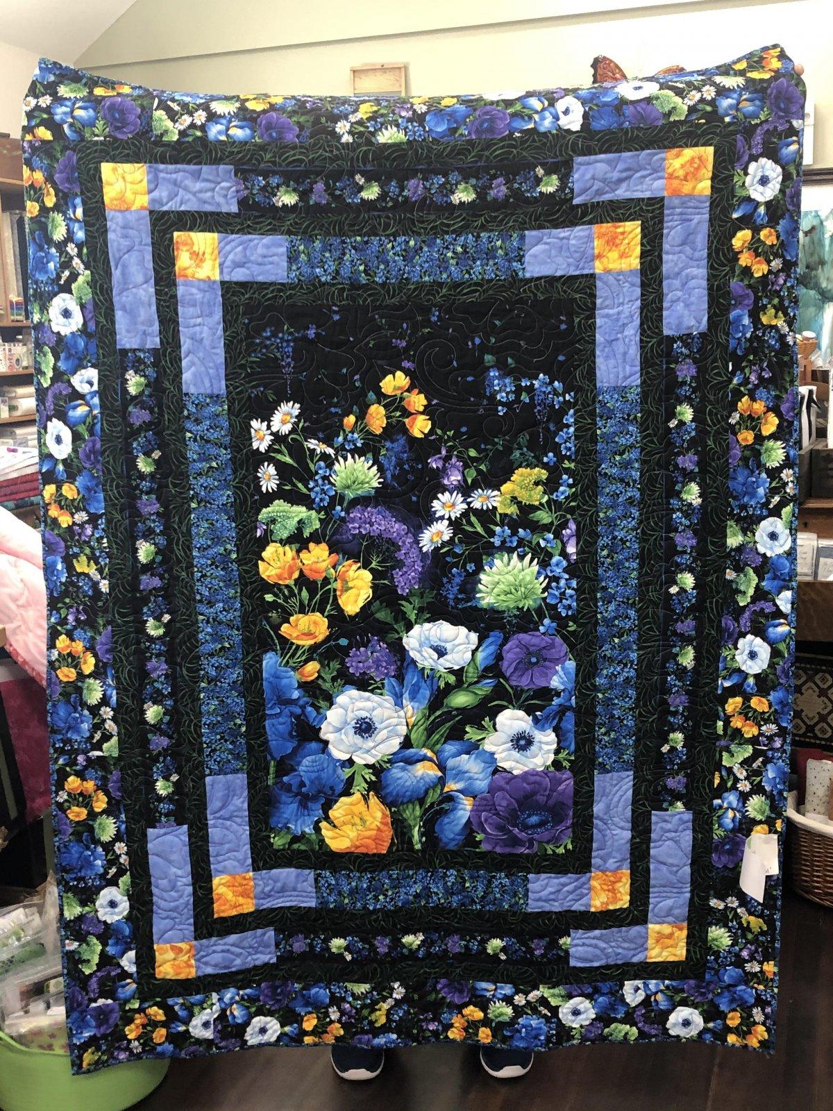 Quilt - Black & Blue Floral