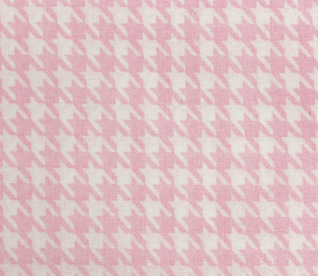 Fabric Creations - Pink & White Houndstooth - 18 x 21