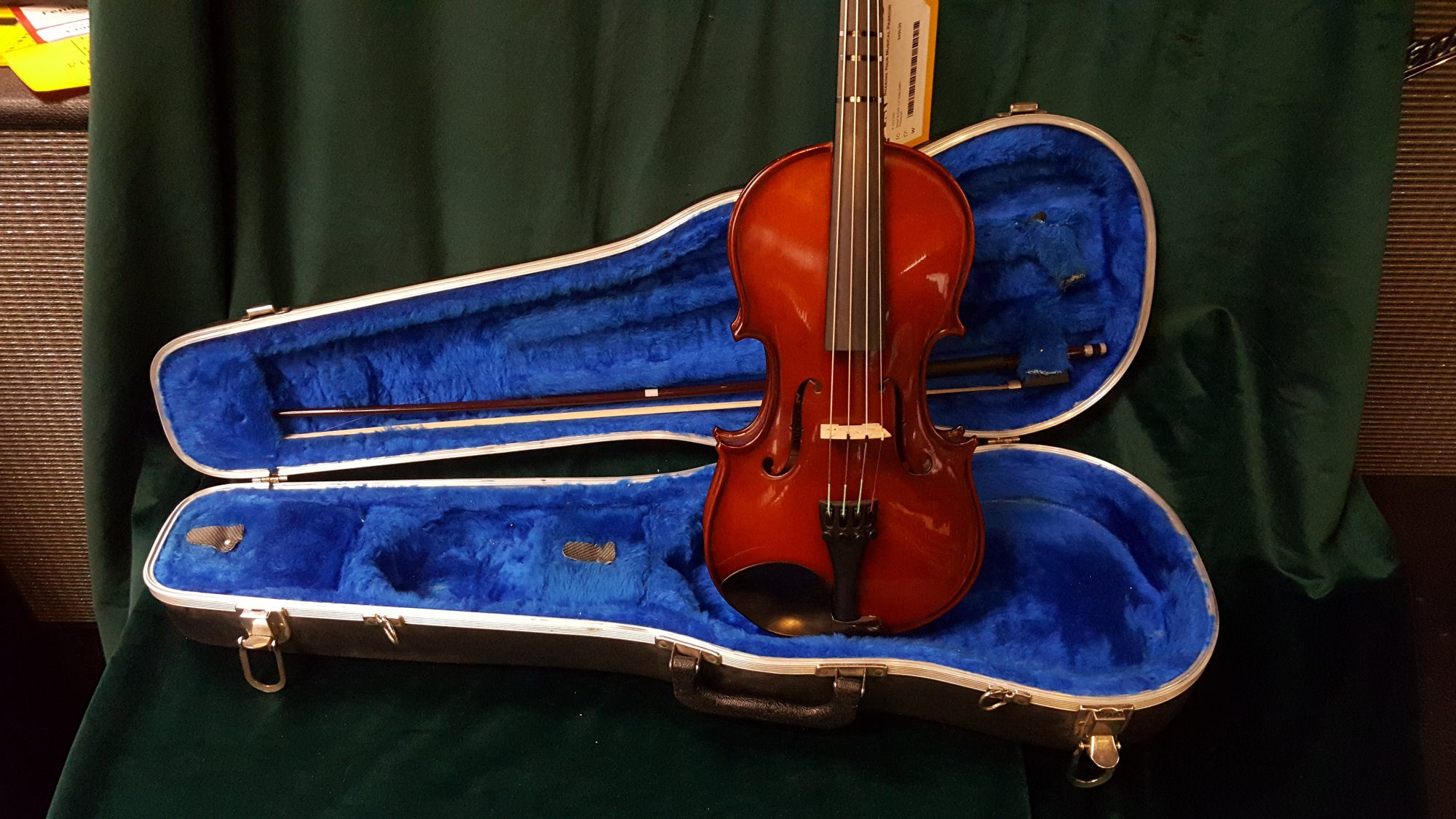 Used Scherl & Roth 1/2 Viola Outfit