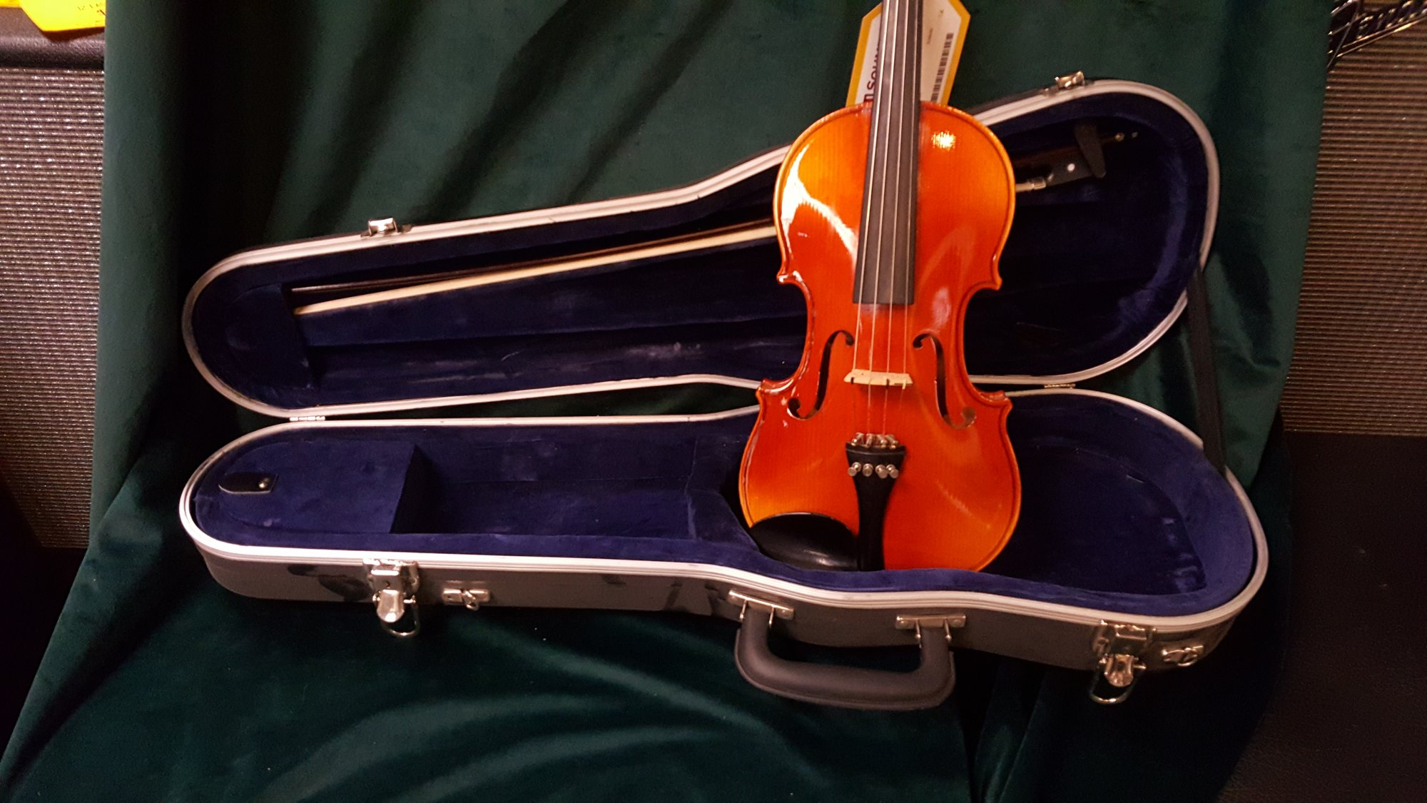 Used Josef Lorenz Luby (Schonbach) 3/4 Size Violin Outfit