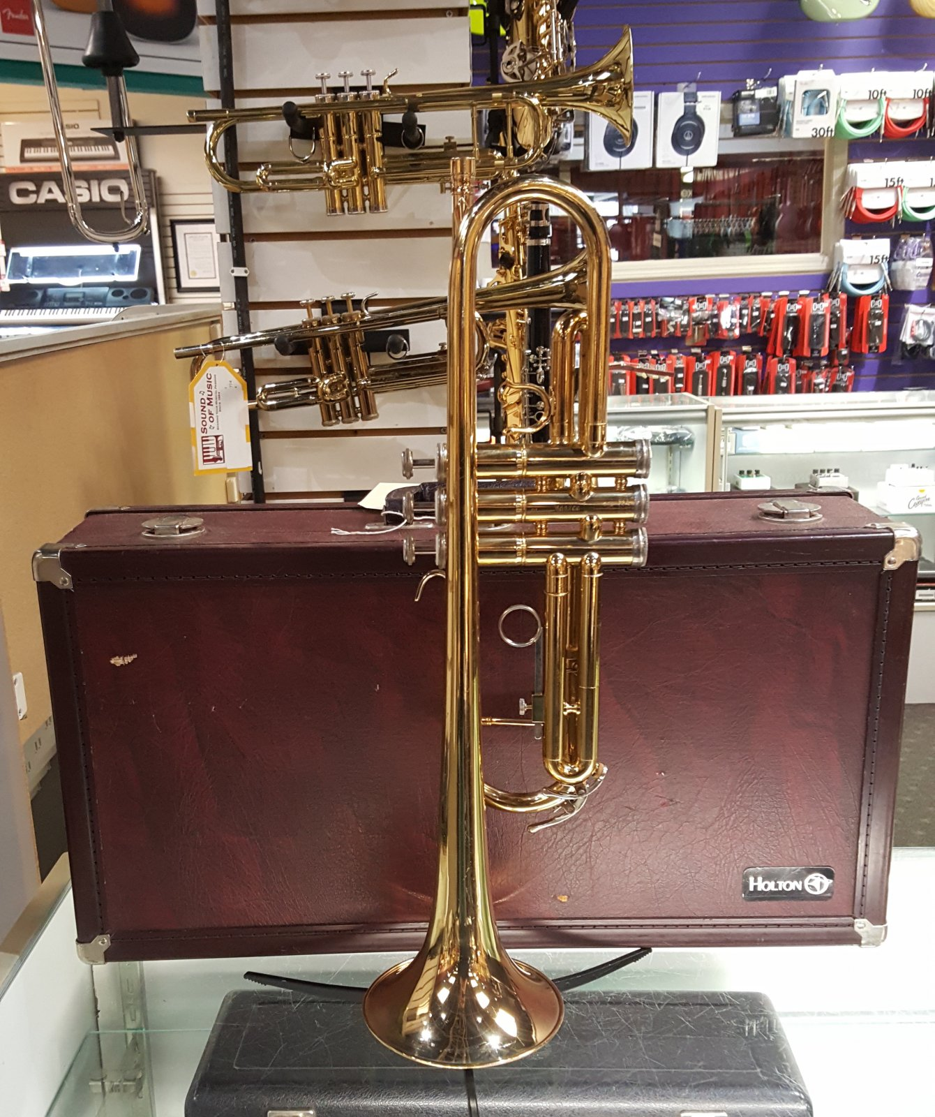Used Holton T602 Trumpet w/ Wooden Hard Case