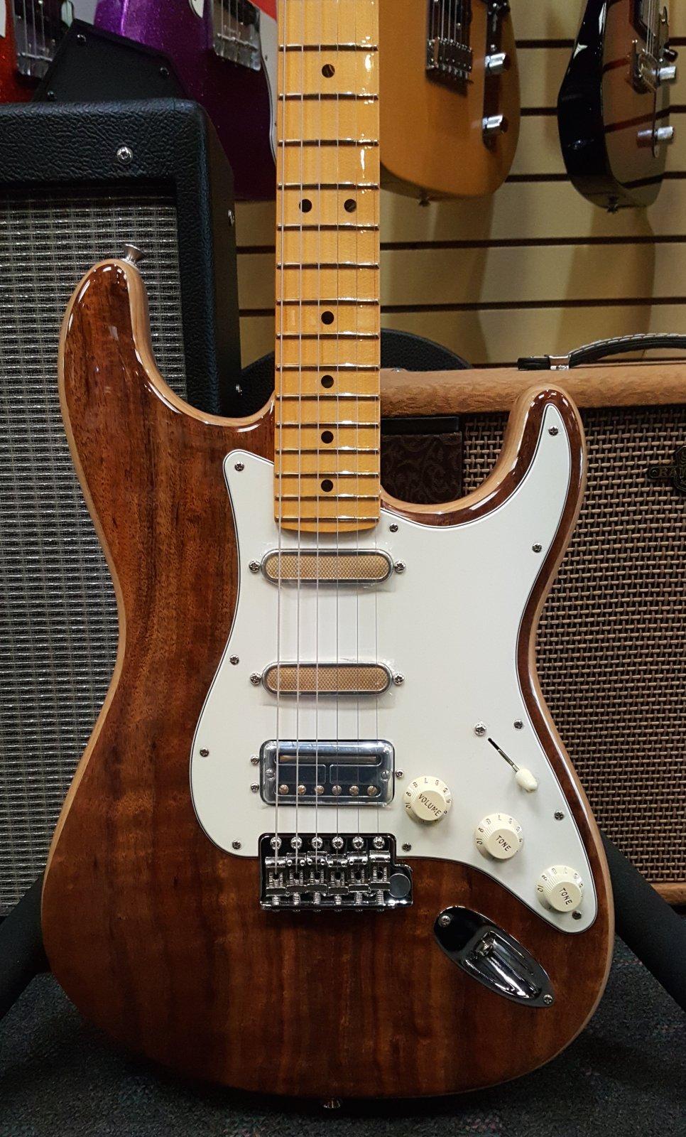 Fender Rarities Flame Koa Top Stratocaster, Maple Neck, Natural