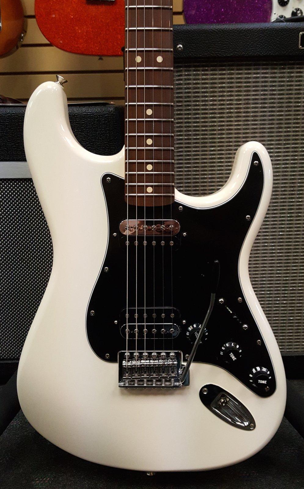 Fender Standard Stratocaster HH, Pau Ferro Fingerboard, Olympic White