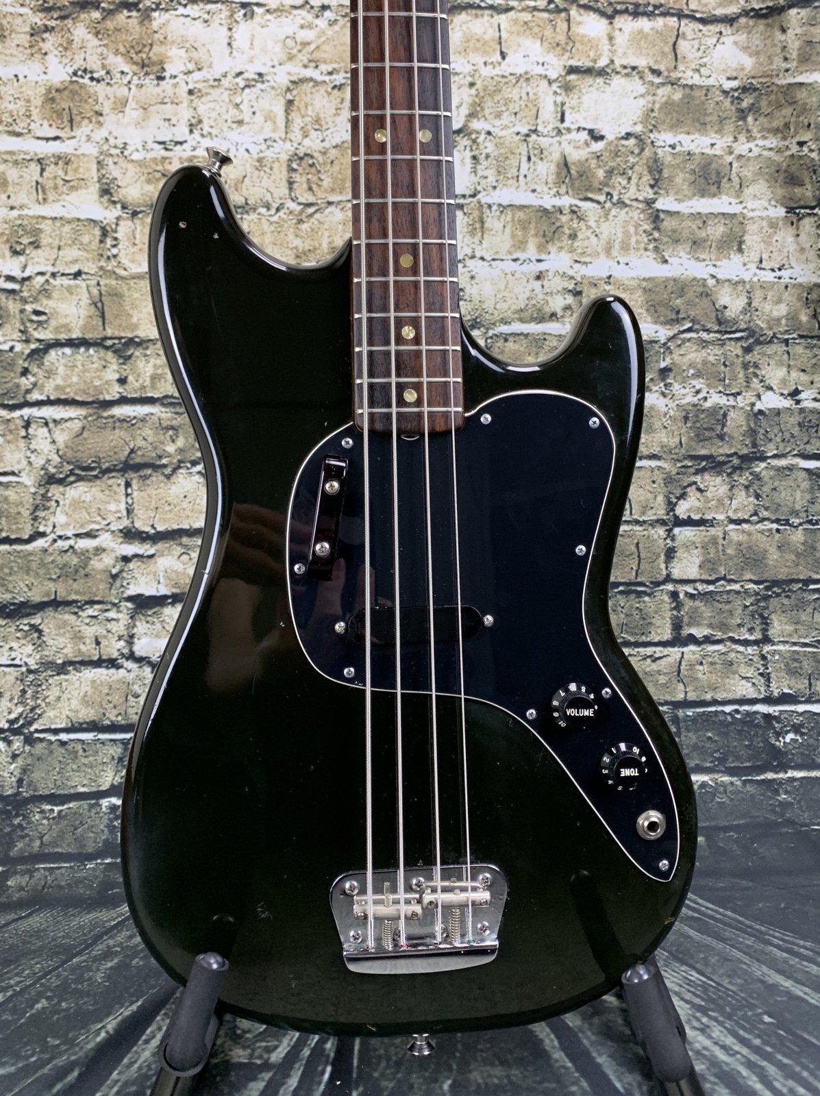 Fender 1977 Musicmaster Bass - Black w/ Hardshell Case