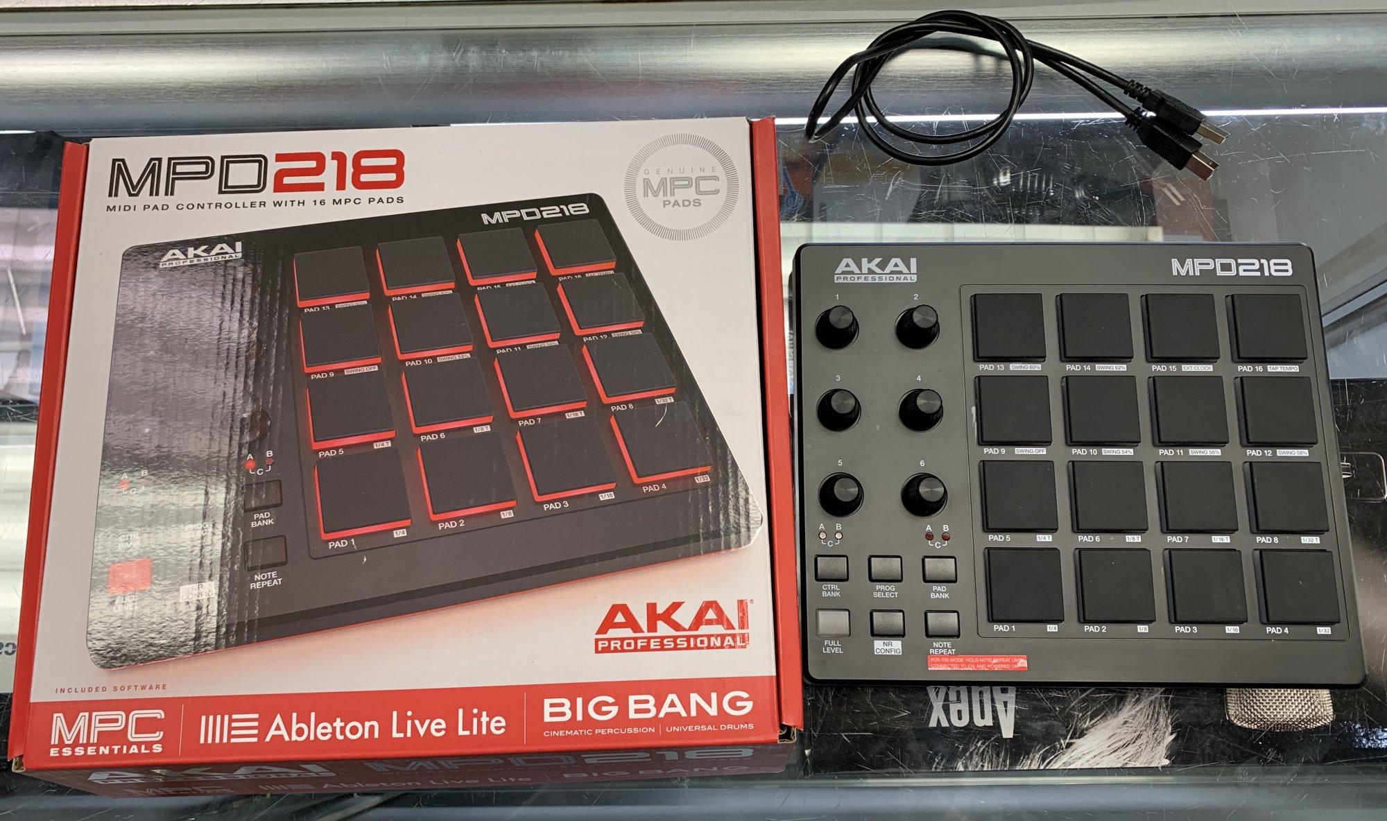 Akai MPD218 MIDI Pad Controller with 16 MPC Pads
