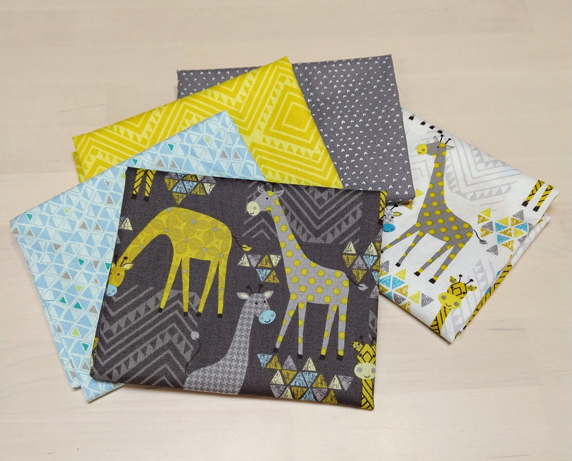 Baby Giraffes 5 pack Fat quarters