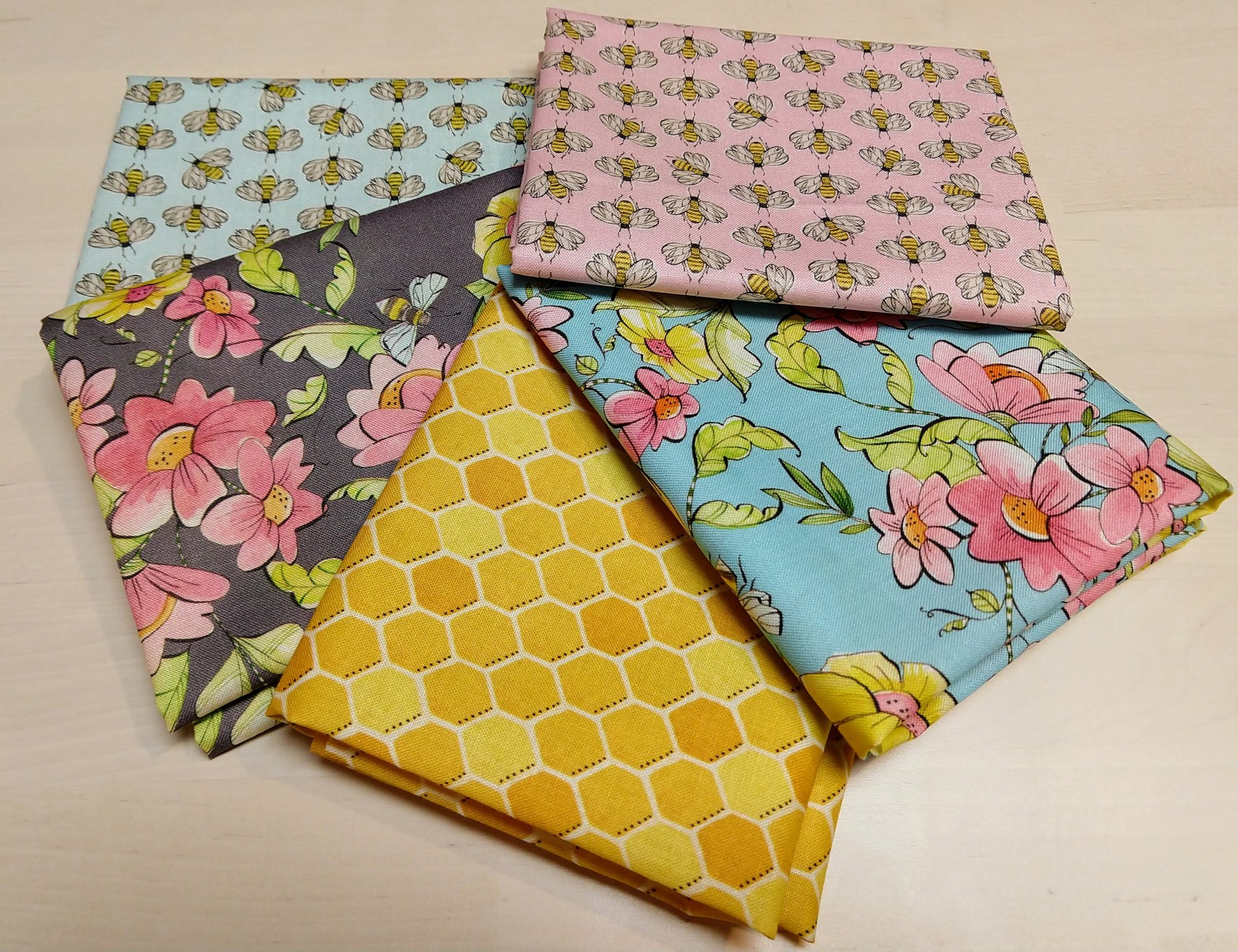 Bees Fat Quarter Pack - 5