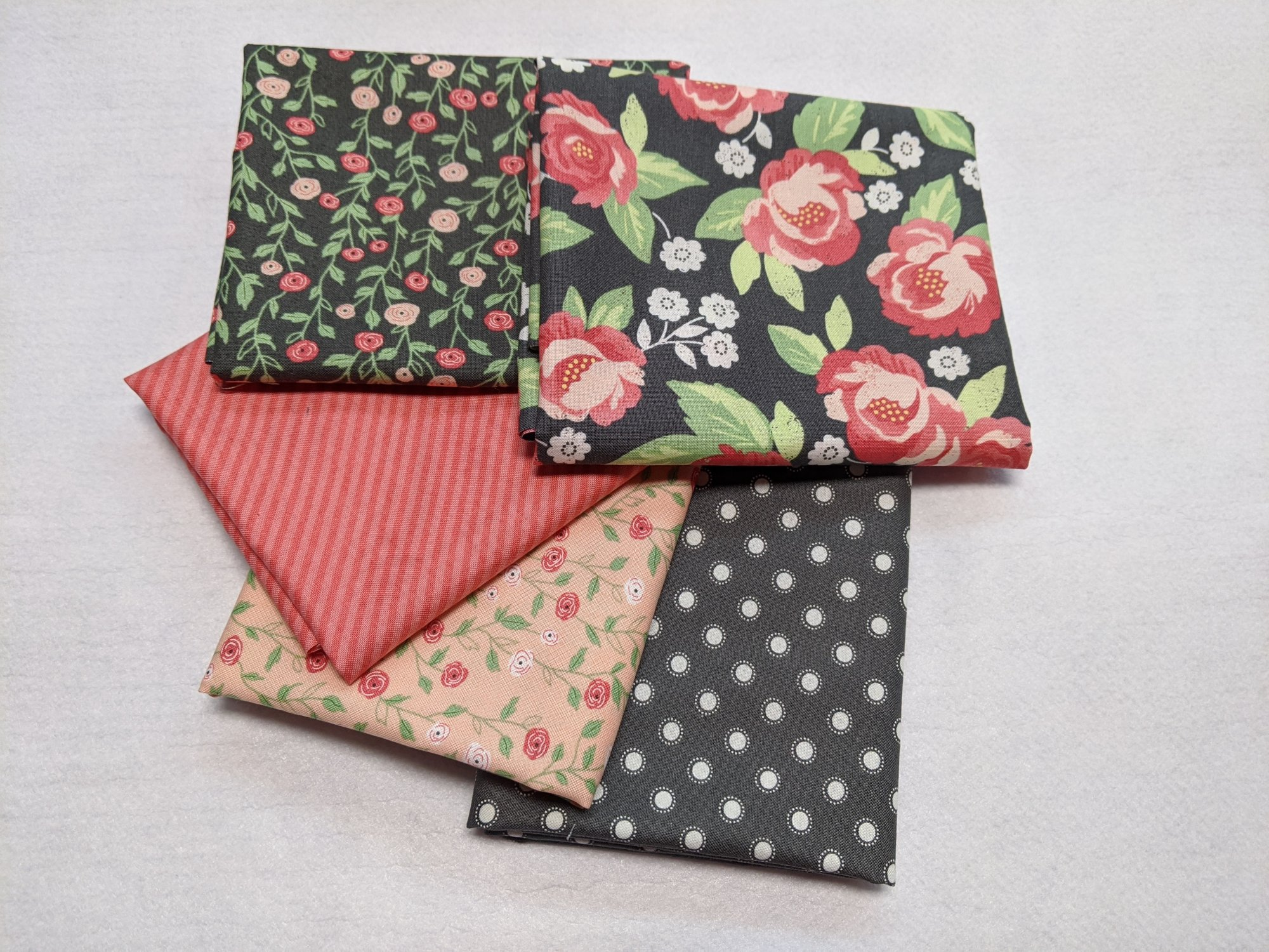 Bloomington Charcoal and Rose- Fat Quarter 5 Pack