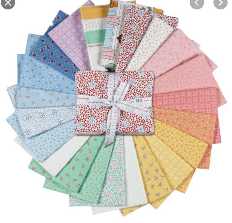Penny's Dollhouse 2.5 inch strips (40 Pieces) - Darlene Zimmerman - Robert Kaufman Fabrics