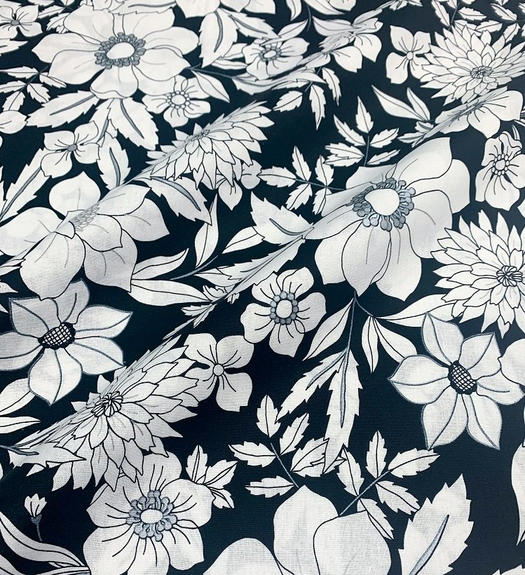 Black Tie Big Flowers 100% Cotton 42-44 WIde