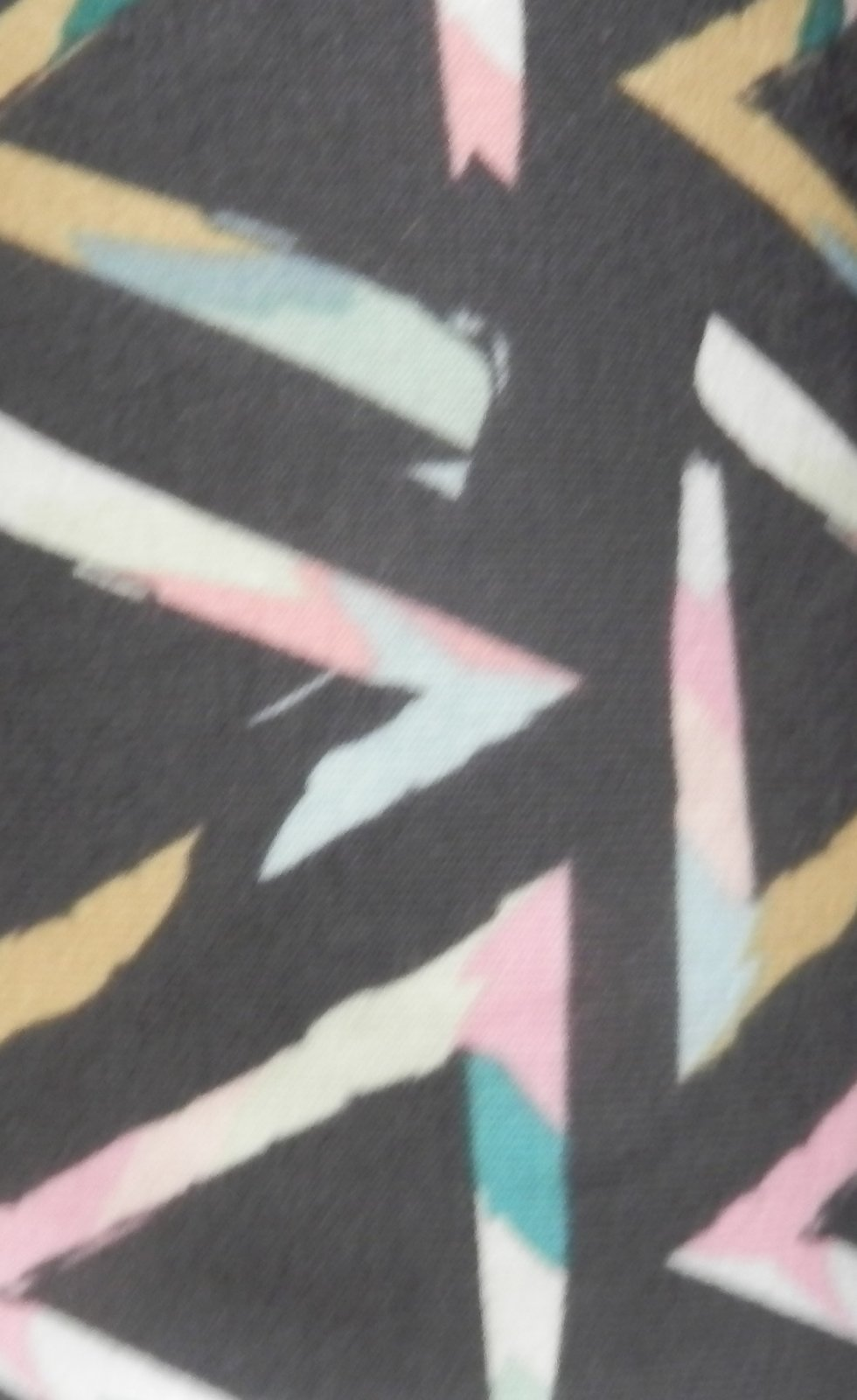 Triangle brush tempera knit