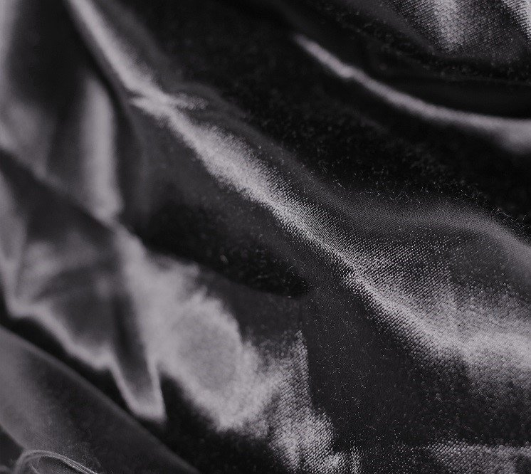 Cotton satin in black