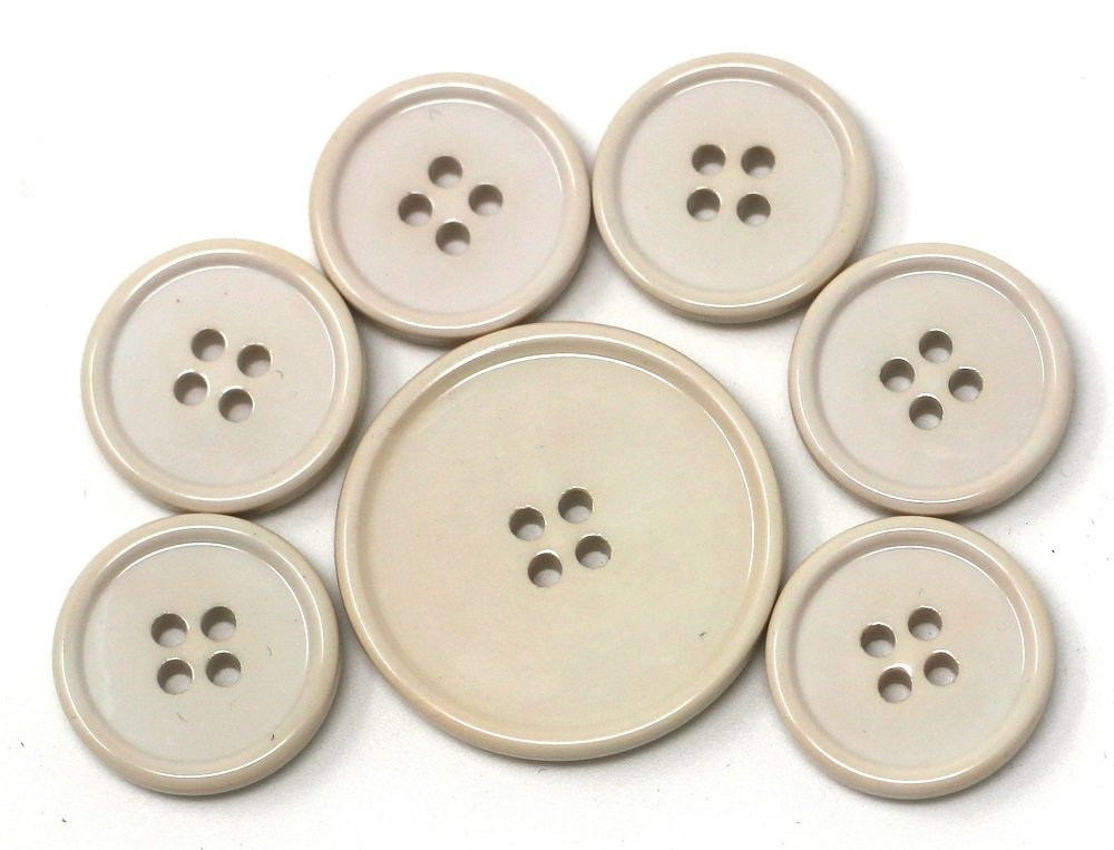 Italian casein buttons, beige