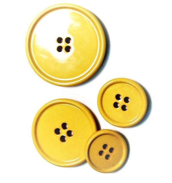 Italian casein buttons, yellow