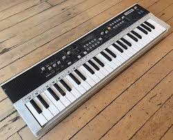 Casio MT-70 49-Key Synthesizer