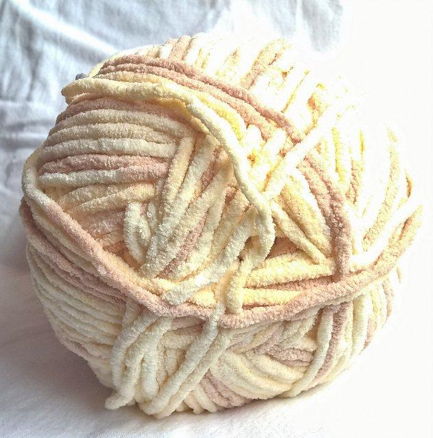 Cascade Pluff Yarn - Lamb #3