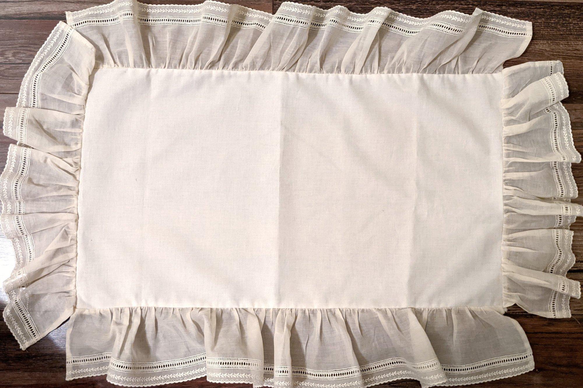 Store Sample - Batiste Baby pillow top