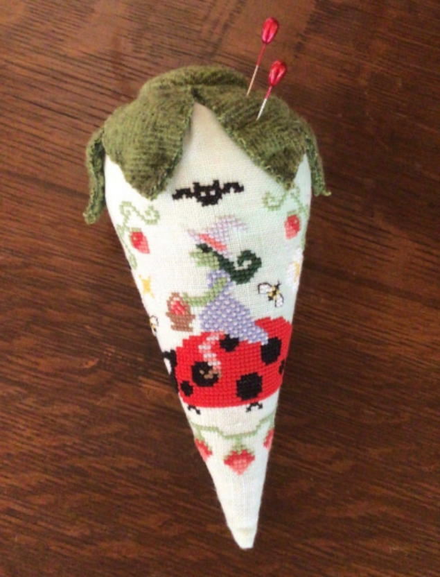 Bendy Stitchy Designs - Hilde's Strawberry Patch
