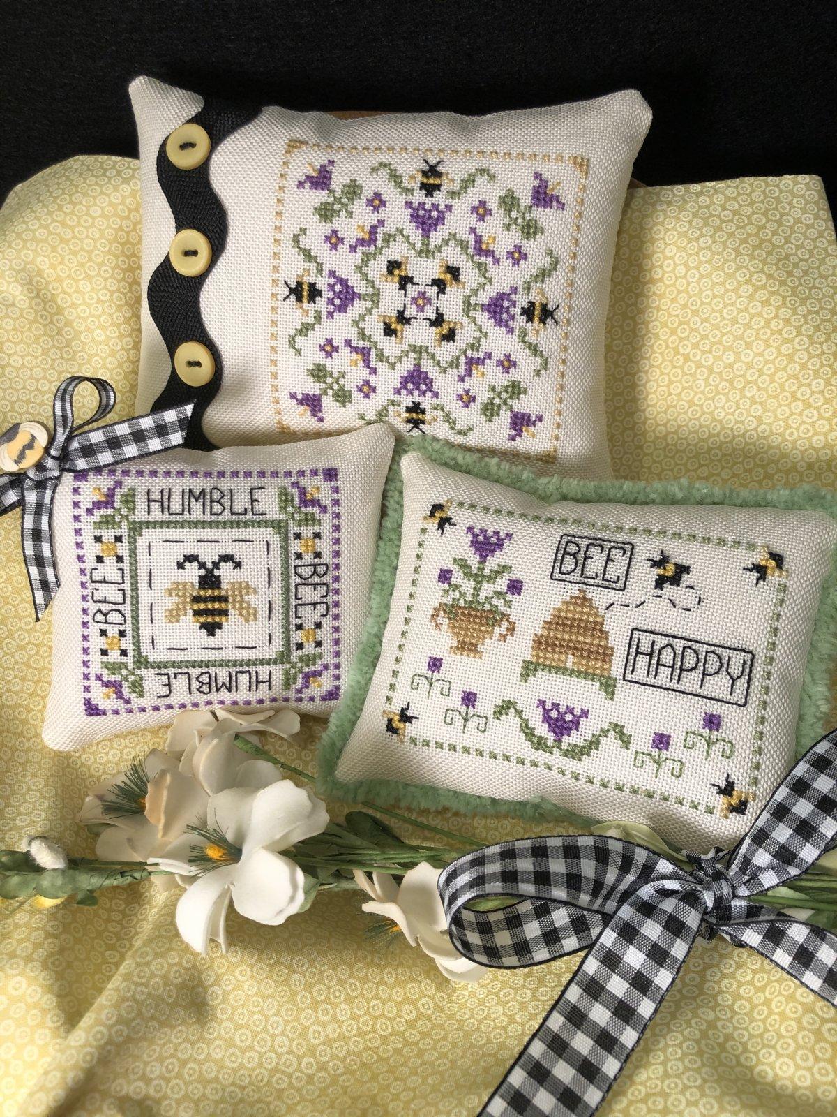 ScissorTail Designs - Humble Bee
