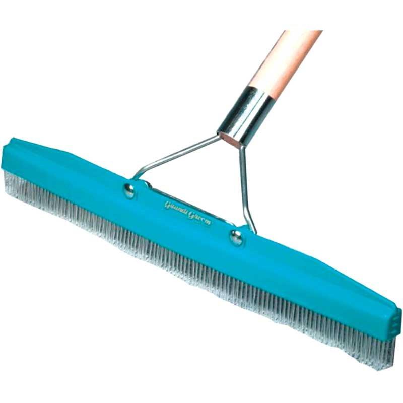 Carpet Rake 18 with Grande Groom Handle