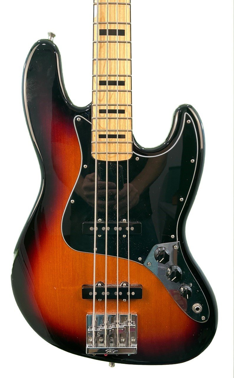 Fender Geddy Lee Bass in Excellent Condition with Gator PG Pro Bag