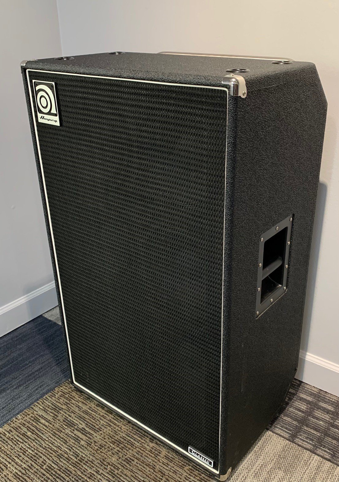 Used Ampeg SVT610HLF  4 ohm Cabinet with Cover