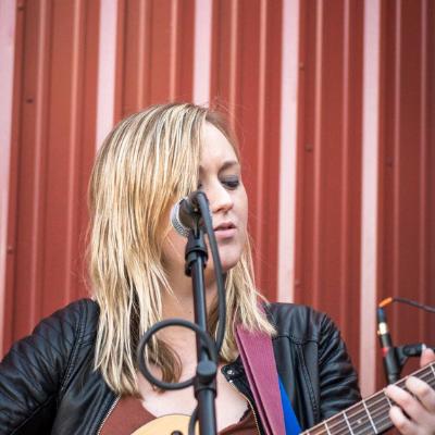 Beginning guitar lessons with Megan Wren
