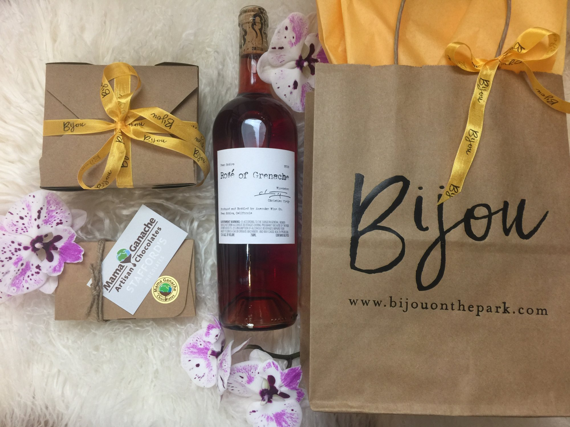 Anarchy Rose Gift Set & $100 Gift Card