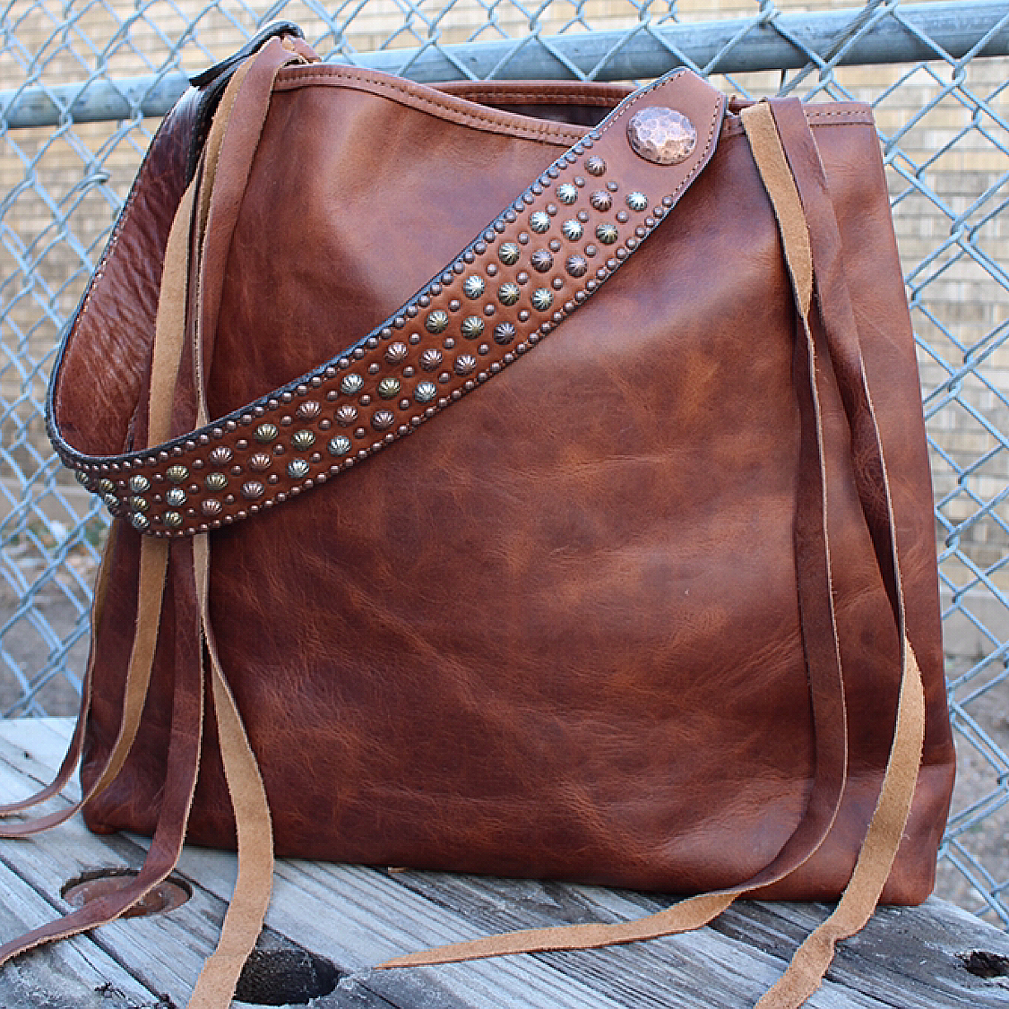 Medium Tote from Double J Saddlery