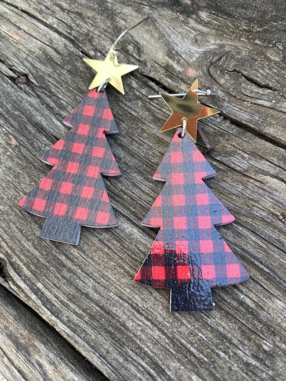 Wooden Buffalo Plaid Christmas Tree Earrings