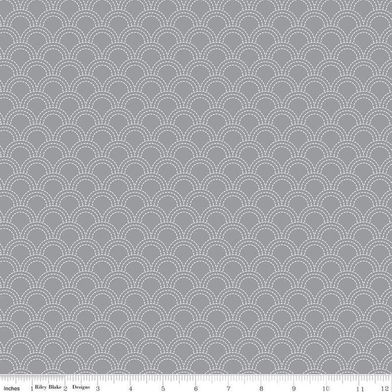 Something Borrowed Scallops Gray C8424